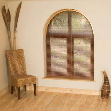 Blindshapers arched Venetian blind